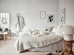 🌿Get Inspired with Cool Chic Interior Ideas with TheSpacePoem.Com 🎼 minimalist decor rustic decor kitchen minimalist apartments ideas minimalist design interior modern dresse Modern Home Interior Design, Home, Small Home Offices, Modern Cabin Interior, Recycled Home Decor, Bedroom Design, Minimalist Bedroom, Home Interior Design, Minimalist Home Interior