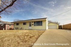 416 N 25th St.Quincy, IL Real Estate Photography - See the 360° virtual tour of this home brought to you by Carol Rischar of Davis and Frese Realtors.