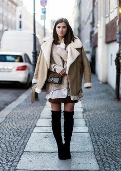 Sommerkleid im Winter: Mollig warm im Lagen-Look