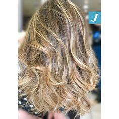 Honey Shades _ Degradé Joelle  #centrodegradejoelle #studioasparrucchieri #degrade #degradejoelle #madeinitaly #musthave #ootd #naturalshades #coolhair #glamour #fashion #hair #hairstyle #hairstylist #grosseto #igersgrosseto