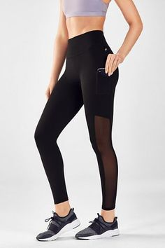 Find all the best leggings to buy online. Choose from different leggings for different situations. Outfits Damen, Komplette Outfits, Fitness Outfits, Fitness Clothing, Workout Clothing, Fitness Wear, Workout Outfits, Kate Hudson, Fashion Group