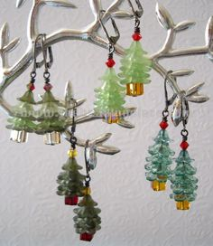 Little x-mas trees in lucite acrylic flowers