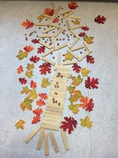 kapla herfst boom Land Art, Reggio Children, Beginning Of School, Fall Harvest, Kindergarten, Kids Rugs, Shapes, Crafts, Google
