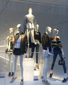 ✖️ Visual Merchandiser ✖️ @kaya_kahlo #windowdisplay #v...Instagram photo | Websta (Webstagram)
