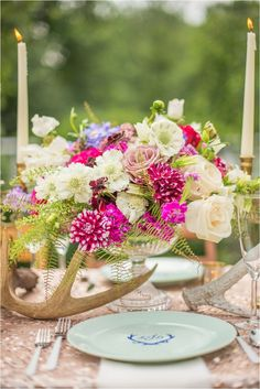 Pink and purple bouquet tablescape