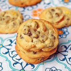 Peanut Butter Pretzel Cookies- sounds amazing