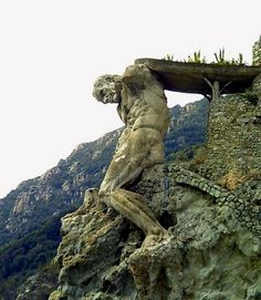 The giant, Monterosso, (Le Cinque Terre) Italy Fantasy Landscape, Land Art, Beautiful Places To Visit, Amazing Nature, Italy Travel, Wonders Of The World, Cool Pictures, Places To Go, Sculptures