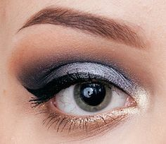 Sleek MakeUP Storm Palette Smokey Blue Cat Eye