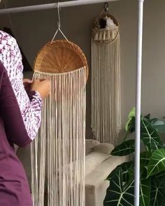 Its a throwback today! Ill be updating my tutorial for this wall basket design so stay tuned! I received several Macrame Design, Macrame Art, Macrame Projects, Macrame Supplies, Macrame Plant Hanger Patterns, Macrame Patterns, Baskets On Wall, Wall Basket, Diy Crafts To Do