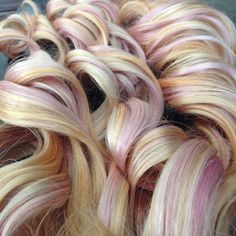 """Custome color on legacydollhair extensions. 24"""" pastel pink, pastel orange. #pastels#pastelpunk#pastelorange#extensions Color by: jazmin rodriguez  Ig:@jrod417 Extensions @legacydollhair"""