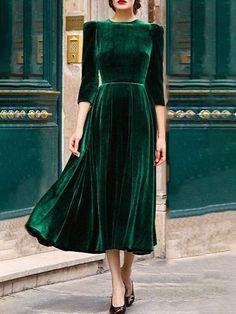 Shop Maxi Elegant Plissee Velvet Maxi Dress - Grün - L. Avenue - - Shop Maxi Elegant Plissee Velvet Maxi Dress - Grün - L. Women's Dresses, Velvet Dresses, Elegant Dresses, Casual Dresses, Sleeve Dresses, Vintage Dresses, Summer Dresses, Formal Dresses, Green Winter Dresses