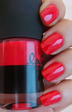 Catrice lala Berlin Nail Lacquer - C04 Ruby Red