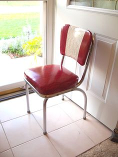 1950 s Chrome Red and White Marbleized VinyL CHAIR    Had this table and chair set for awhile.
