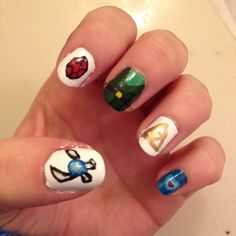 Legend of Zelda nail art.