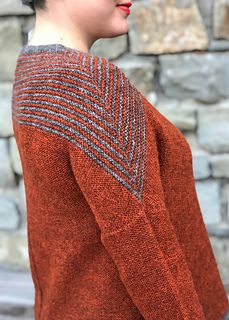 Ravelry: Rusty Tuku pattern by Susanne Sommer willow yarn posy (gray goose and blue chalk) Easy Knitting, Sweater Knitting Patterns, Knit Patterns, Hand Knit Blanket, Knitted Blankets, Knitting Magazine, Garter Stitch, Pullover, Couture