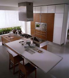 miro-fantasy-wood-white-teak-kitchen-cabinets.jpg (748×841)
