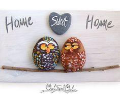 Unieke handgemaakte 'Home Sweet Home' uilen | 3D-Artwork gemaakt met geschilderde keien, Stick en een marmeren hart