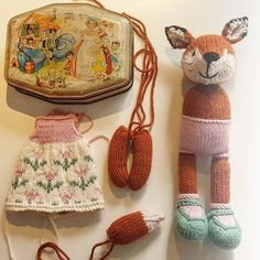 This little fox is ready to go to it's new home after her photo shoot. I've got a new toy ready to be made, but I've just burnt my hand making Sunday roast! 😫😖🤕 So I can't start it yet 😭😭😭😭 Little Cotton Rabbits, Little Fox, Blink Of An Eye, Ready To Go, New Toys, Sally, Straw Bag, Photo Shoot, Hand Making
