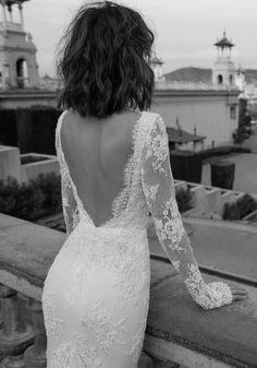Beautiful long sleeve wedding dress with gorgeous details | itakeyou.co.uk #weddingdress #bridedress #weddinggowns #bridalgown #longsleeveweddingdress #weddingdresses #weddinggown