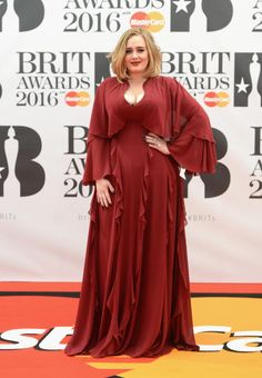 Adele red carpet Brit Awards 2016