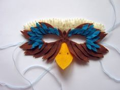 Veja algumas ideias bacanas para você se inspirar e adaptar a máscara de carnaval das crianças!