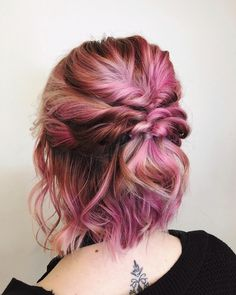 Need some updo inspiration for short hair? We've got you covered with 50 easy and chic looks for all lengths—from pixies to bobs to lobs. hair edgy 44 Incredibly Chic Updo Ideas for Short Hair Mohawk Updo, Braided Hairstyles Updo, Prom Hairstyles, Short Mohawk, Black Hairstyles, Easy Updos For Medium Hair, Medium Hair Styles, Curly Hair Styles, Short Hair Simple Updo