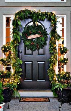2013 Christmas Door Decor Ideas, Rustic Christmas Deco Wreath #2013 #christmas #deco #wreath