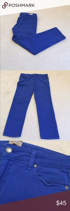 Paige Roxie Capri Jeans! Paige Roxie Capri Jeans! 28! In excellent condition! Comfort and fashion define these premium branded Capri jeans! PAIGE Jeans
