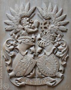 Escudo de armas familiar, tallado a mano   Escudo de armas en madera tallada   HERALDICA TALLADA EN MADERA   ESCUDOS DE APELLIDOS TALLADOS EN MADERA   escudos heraldicos tallados en madera    http://www.patrickdamiaens.be