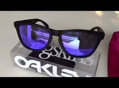 Resultado de imagen para FROGSKIN Oakley, Sunglasses, Fashion, Moda, Fashion Styles, Sunnies, Shades, Fashion Illustrations, Eyeglasses