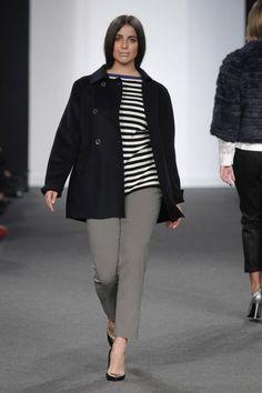 Elena Miró Otoño Invierno 2016/17 - Foto 32 Mature Women Fashion, Curvy Girl Fashion, Big Fashion, Plus Size Fashion, Moda Fashion, Vogue Fashion, Trendy Plus Size, Plus Size Women, 2020 Fashion Trends