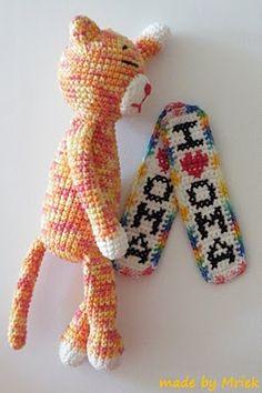 Amineko with bookmarks I *heart* grandma, crochet