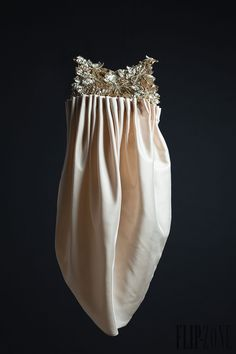 "Krikor Jabotian SS12 Capsule collection, ""All that is reminiscent of her name"" - Υψηλή ραπτική - http://el.flip-zone.com/krikor-jabotian-2926"