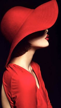 How to wear red hat with style Foto Fashion, Red Fashion, Portrait Photography, Fashion Photography, Simply Red, Mode Editorials, Fashion Editorials, Red Hats, Photoshoot Inspiration