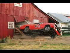 """1969 Dodge Charger - General Lee from """" The Dukes of Hazzard"""" - Barn - 1024x768 Wallpaper"""