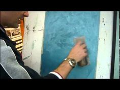 Aplikace dekorační stěrky CADORO. www.barvy-sanmarco.cz #benatskystuk #dekoracniomitka #pohledovasterka #pohledovybeton #imitacebetonu #venetianplaster #decorativefinish #fauxfinish #barvysanmarco #brno Tadelakt, San, Luxury, Youtube, Painting, Painting Art, Paintings, Painted Canvas, Youtubers