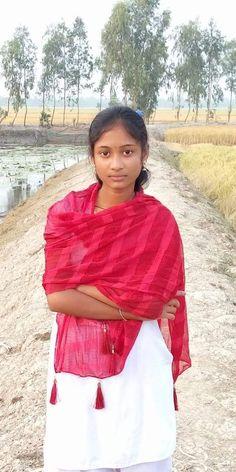 Beautiful Girl In India, Beautiful Women Over 40, Beautiful Blonde Girl, Beautiful Girl Photo, Beautiful Indian Actress, Beautiful Saree, Village Girl Images, Kolkata, Pune