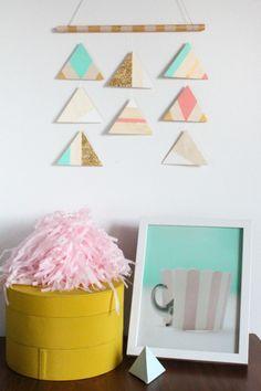 Tutorial:  DIY geometric mobile or wall art  {Sugar + Cloth}