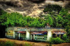 Emptyville Cafe on US 411 between Benton and Etowah, TN by Patrick Henson, via Flickr