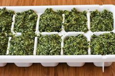 Sage Pesto - I have a HUGE pineapple sage plant this year and have been wondered wtf to do with it. Freezing Fresh Herbs, Preserve Fresh Herbs, Freeze Herbs, Freezing Tomatoes, Freezing Vegetables, Sage Recipes, Basil Pesto Recipes, Herb Recipes, Yummy Recipes