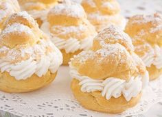 AllWhites and Better'n Eggs: White Chocolate Cranberry Tiny Cream Puffs Recipe A delicious dessert that's low fat and less than 100 calories per serving! Köstliche Desserts, Delicious Desserts, Dessert Recipes, Yummy Food, Pineapple Filling Recipe, Vanilla Pudding Recipes, Apple Fritter Recipes, Cream Puff Recipe, Eclairs