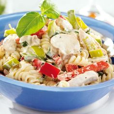 Krämig pasta med kyckling Sweet Chili, Main Dishes, Food And Drink, Lunch, Chicken, Baking, Healthy, Ethnic Recipes, Gay