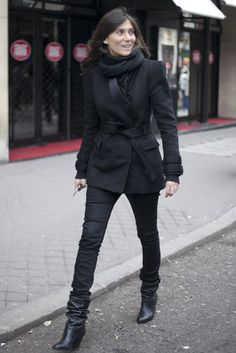 Très Chic! The Best Street Style at Paris Fashion Week: Emmanuelle Alt showed off an all-black ensemble with that ease and elegance that's made her a style icon.