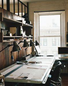 locais de trabalho interessantes, com as condições necessárias para execução do trabalho proposto. Funcionalidade, conforto, ergonomia e beleza.