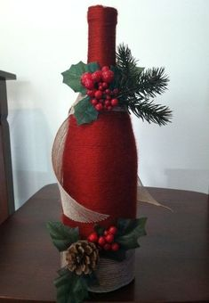 15 creative and beautiful ideas for the Christmas wine packaging - Decoration 2 Diy Bottle, Wine Bottle Crafts, Bottle Art, Wine Bottle Gift, Beer Bottle, Christmas Centerpieces, Xmas Decorations, Wine Bottle Decorations, Wine Decor