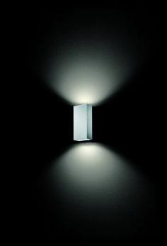 mox . outside luminaire . Außenleuchte . wall luminaire . Wandleuchte . aluminium brushed, anodized . Aluminium gebürstet, exloxiert . LED