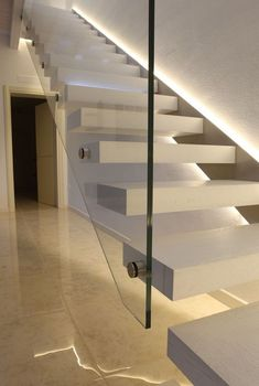 29 Inspiring Modern Staircase Design Ideas – Home Design Cantilever Stairs, Concrete Staircase, Floating Staircase, Stair Handrail, Staircase Railings, Staircase Runner, Spiral Staircases, Stair Runners, Modern Houses