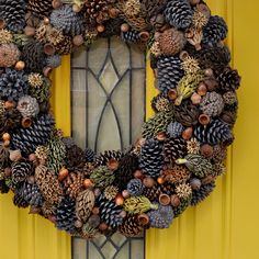 DIY Natural Pine Cone Wreath