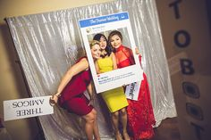 Fun Photo Booth Ideas for Weddings | Photo: Ama Photography