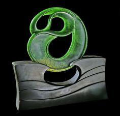 New Zealand Nephrite Jade Sculpture diameter, carved by artist Richard Moor. Wooden Jewelry, Metal Jewelry, Polynesian Art, Maori Designs, Bone Carving, Jade Pendant, Gems And Minerals, Sculpting, Wood Hooks